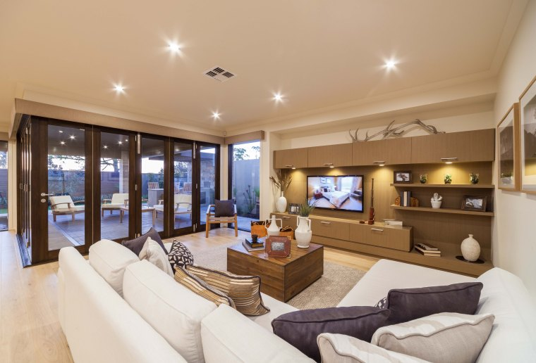 Display home decor accessories