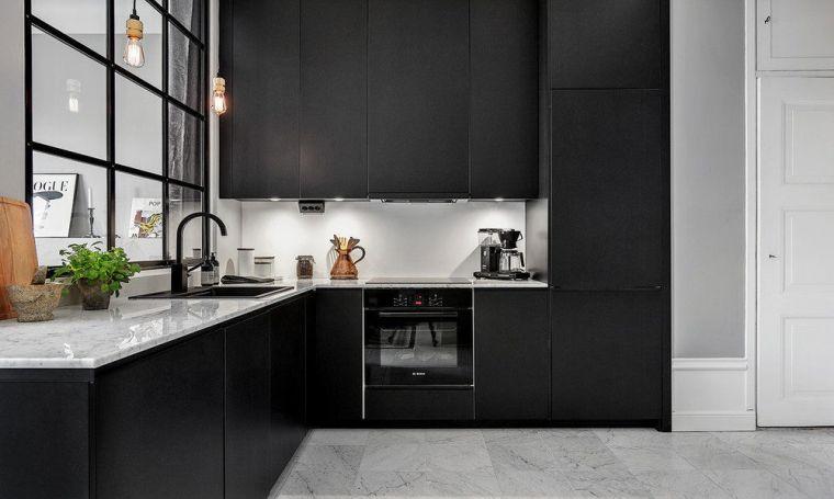 black-tapware-kitchen